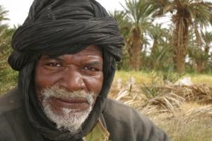 mona-176941-oasis-farmer-2